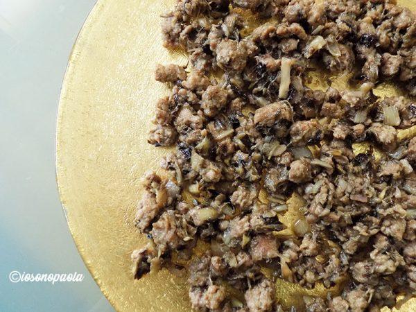 radicchio e salsiccia in padella